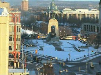 Ottawa webcam - Lord Elgin Hotel, Ottawa National War Memorial webcam, Durham Region, Ontario
