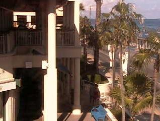 George Town webcam - Bayshore Mall webcam, Grand Cayman, Grand Cayman
