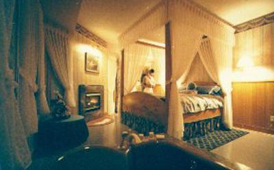 whistlestop bed and breakfast in shawnigan lake vancouver island canada bed and breakfast. Black Bedroom Furniture Sets. Home Design Ideas