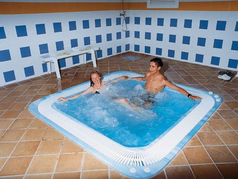 Hotel Oasis Park In Lloret De Mar Girona Spain Family Entertainment Centre Hotel Hotel