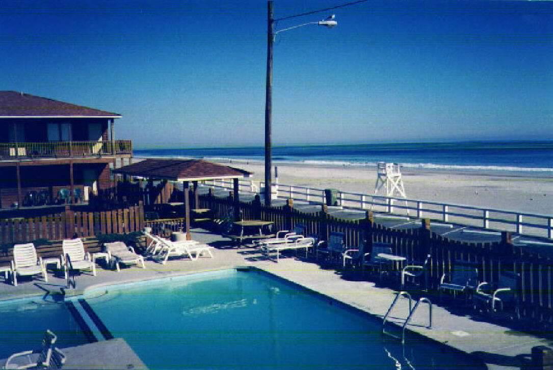 Seven Seas Hotel Kure Beach