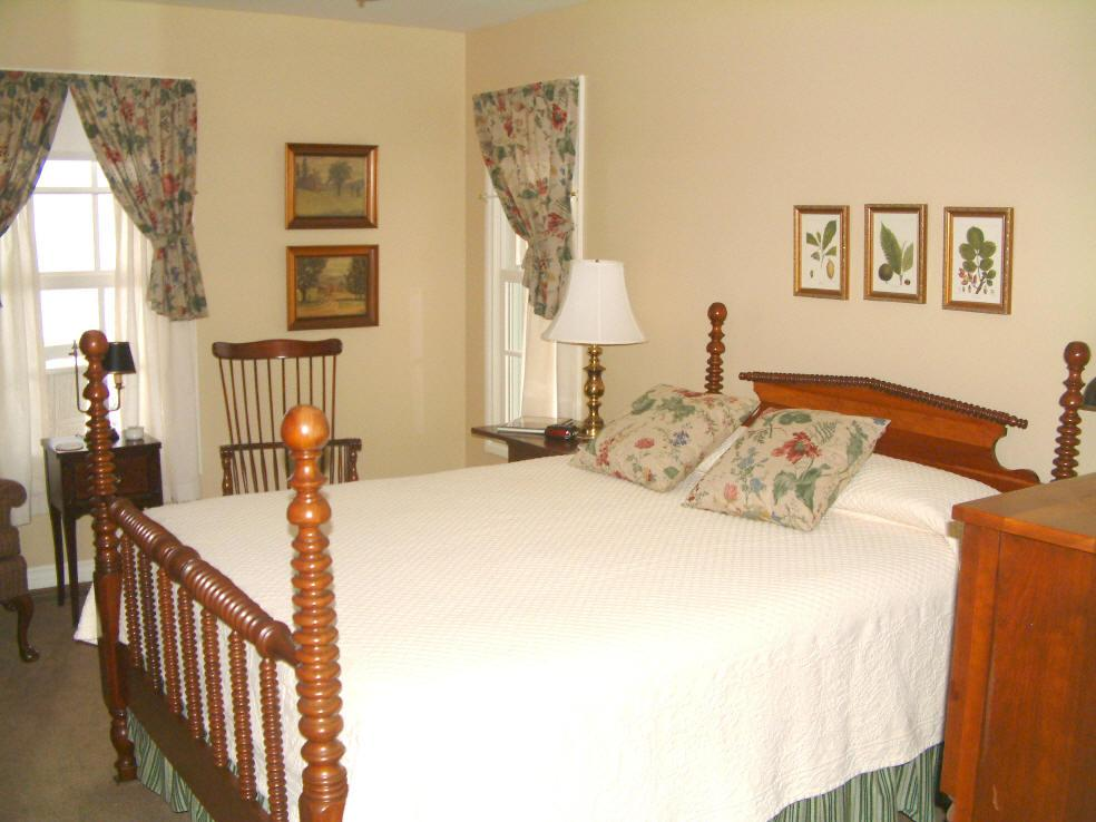 Suttons Bay Bed And Breakfast