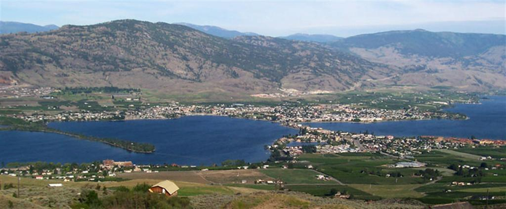 Watermark Beach Resort In Osoyoos British Columbia Canada Hotel Apartments Services Pet Friendly