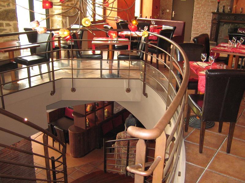Le comptoir in concarneau finistere france a la carte restaurants restaurant pizza bar - Le comptoir lounge magny le hongre ...