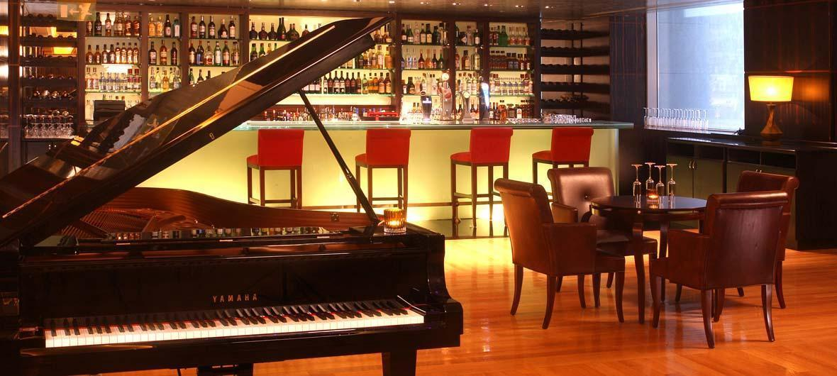 madison piano bar in doha doha qatar bar piano bar entertainment full details. Black Bedroom Furniture Sets. Home Design Ideas