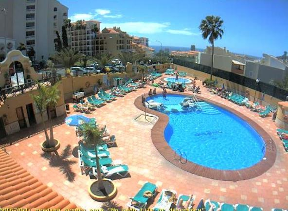 Piscina del hotel oasis mango webcam in puerto de los for Piscina los cristianos