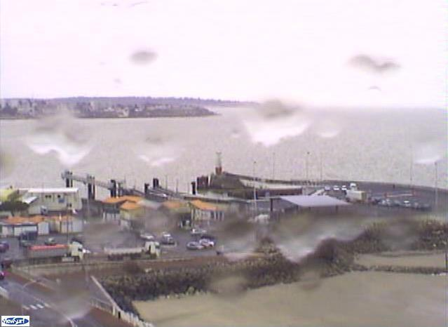 Embarcadere du bac webcam in royan webcams in royan poitou charentes france - Horaire du bac royan ...